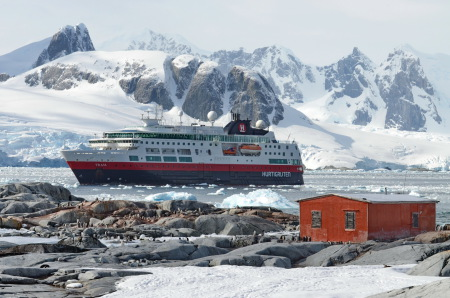 "Hurtigruten, ""MS Fram"""